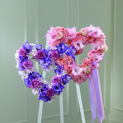 The FTD Hearts Eternal Easel from Parkway Florist in Pittsburg PA