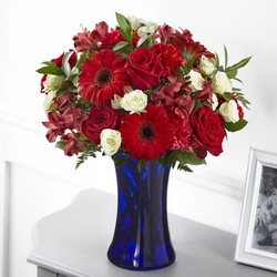 The FTD Hearts Embrace Bouquet from Parkway Florist in Pittsburgh PA